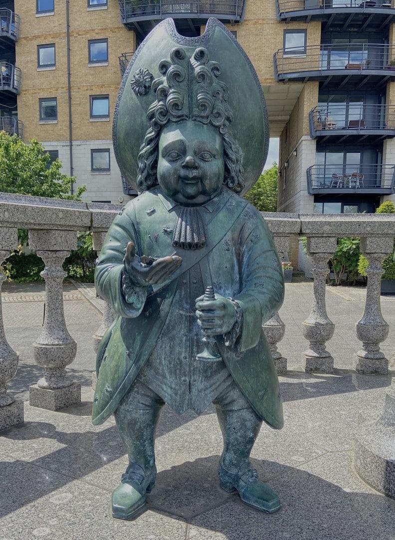London's Strangest Sculpture