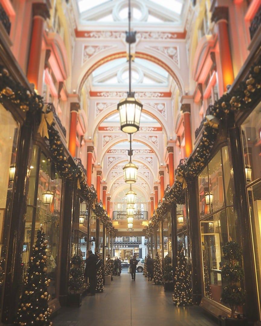 Christmas Lights Walking Tour