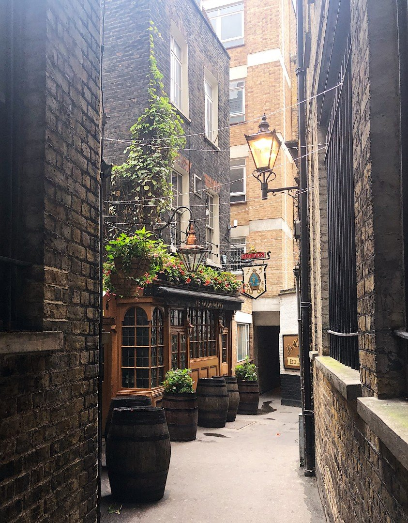 Best Historic London Alleys - Ely Court, Look Up London