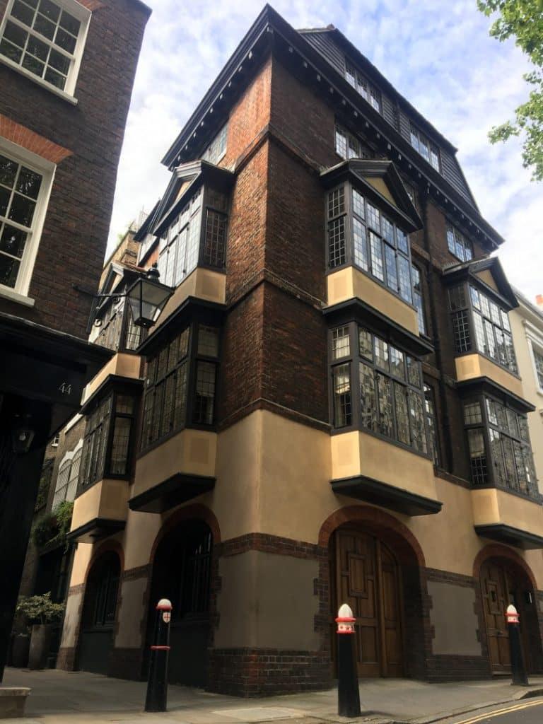 Cloth Fair - Oldest House in London - Look Up London