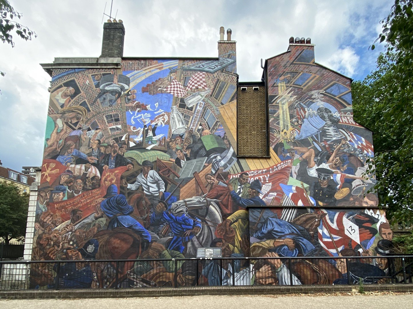 Best Historic London Murals - Cable Street
