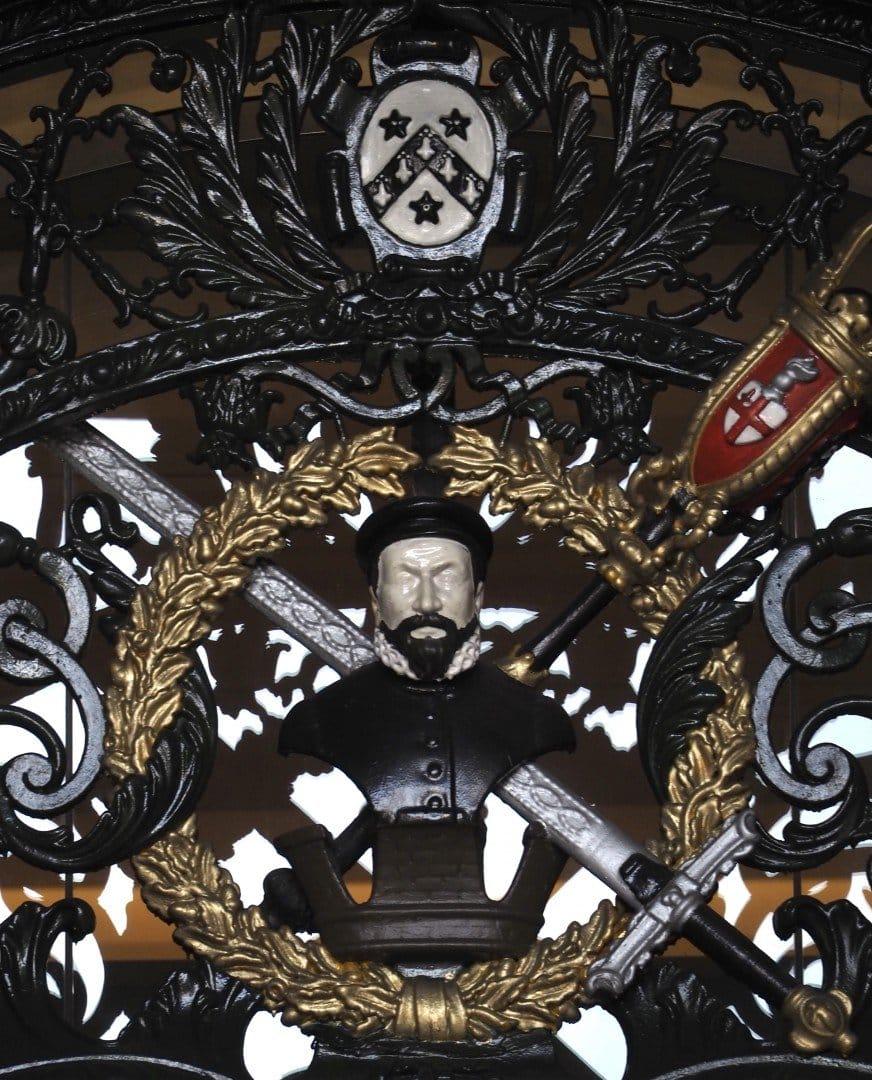 Gates Royal Exchange | Look Up London