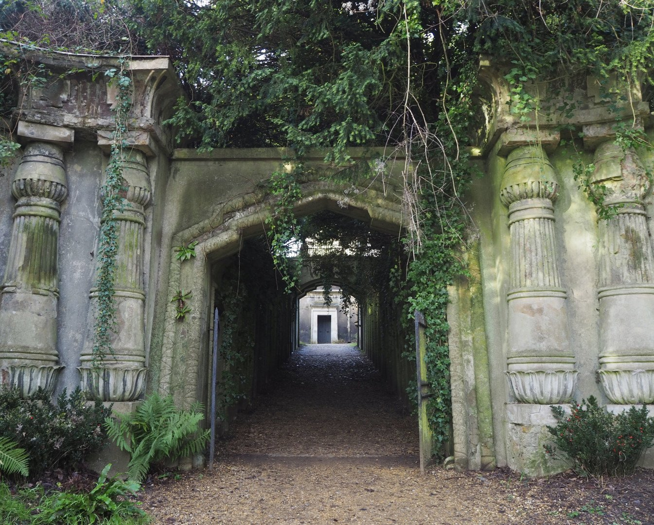 Highgate Cemetery | Look Up London