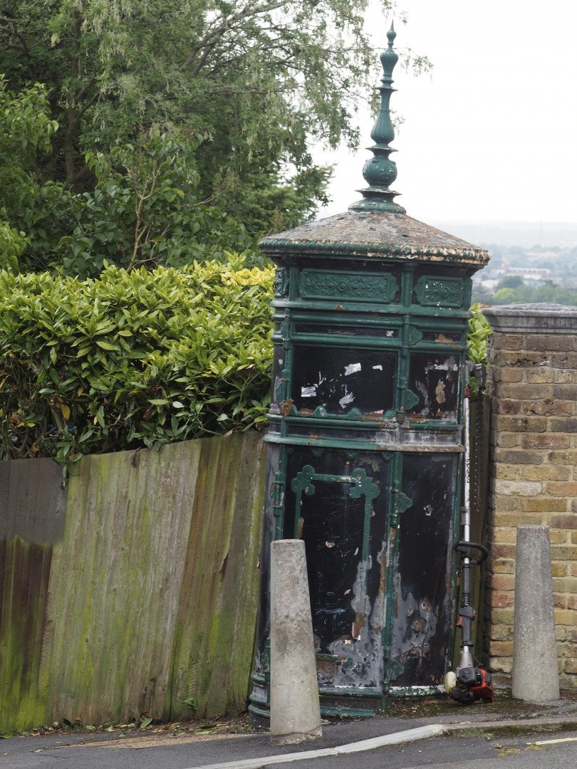 Electricity Substation Sunnyside Passage Wimbledon | Look Up London